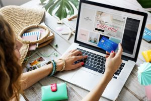 Shopping and Paying Safely Online: 4 Tips for Shoppers